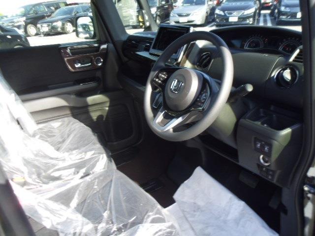 ホンダ N BOXカスタム G・EXホンダセンシング 届出済未使用車 両側電動スライド