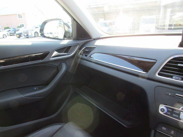 「アウディ」「アウディ Q3」「SUV・クロカン」「香川県」の中古車45