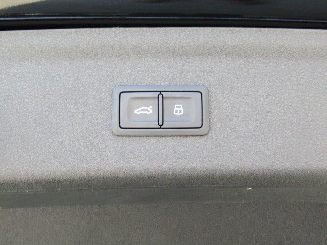 「アウディ」「アウディ Q3」「SUV・クロカン」「香川県」の中古車59