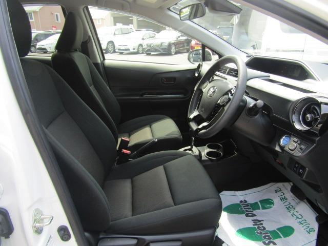 Sスタイルブラック カロッツェリア7型ワイドナビ ETC トヨタセーフティーセンス オートライト プッシュスタート スマートキー ステアリングスイッチ(8枚目)