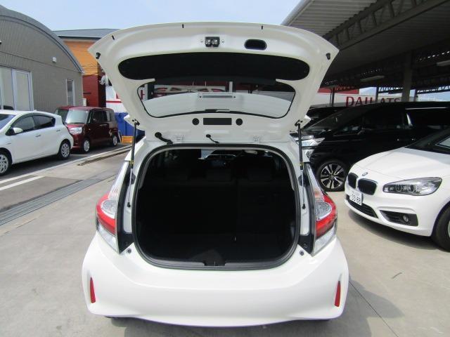 Sスタイルブラック カロッツェリア7型ワイドナビ ETC トヨタセーフティーセンス オートライト プッシュスタート スマートキー ステアリングスイッチ(21枚目)