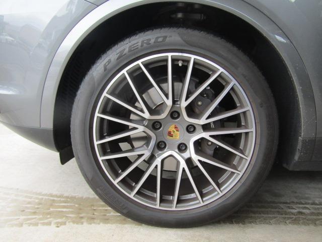 各種アルミホイール+タイヤセットやスタッドレスタイヤのセットもお取扱いございます!スタッフまでご相談ください!