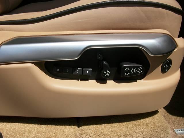 V8 本革SR純正ナビ 走行無制限12ヶ月保証付(7枚目)