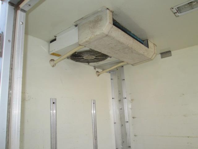 冷蔵冷凍車 -7℃〜35℃ エアコン パワステ(8枚目)