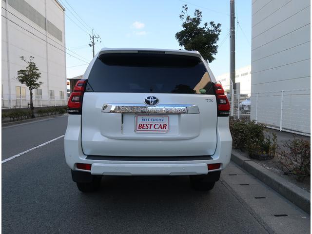 トヨタセーフティセンスP・黒革シート(前席パワーシート&快適温熱シート)・LEDヘッドライト&LEDフォグ・スマートキー2個&プッシュスタート・クリアランスソナー&バックソナー