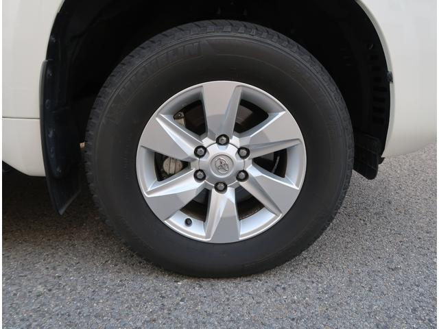 タイヤの残り山もタップリです☆タイヤはミシュランのSUV用タイヤです☆アルミホイールに傷はございません☆