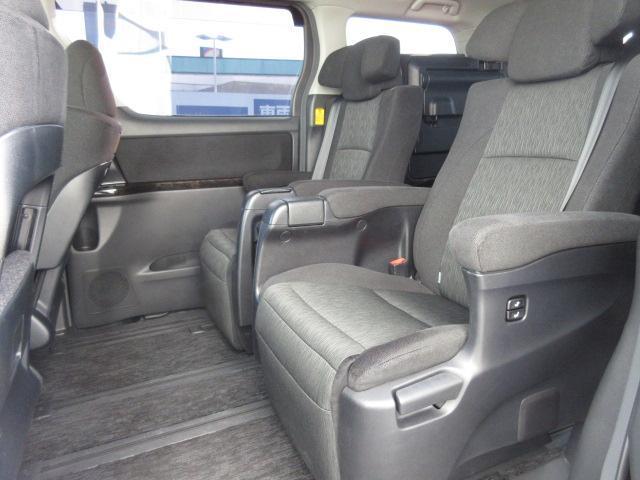 2.4Z Gエディション 社外9インチメモリーナビ/フリップダウンモニター社外11.4インチ/ヘッドランプHID/ETC/EBD付ABS/横滑り防止装置/TV/エアバッグ運転席/エアバッグ助手席(6枚目)