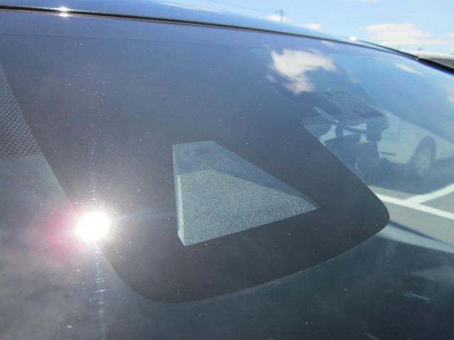 ★フロントガラス上部にあるセーフティセンス用のカメラセンサーです。対車両と対歩行者を監視し、また車線逸脱も監視しています★