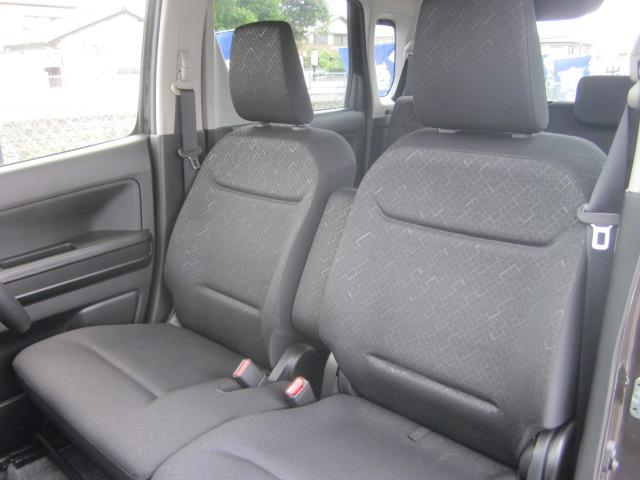 ★シートはブラックを基調としたシートです。体を包み込んでくれるような座り心地です★