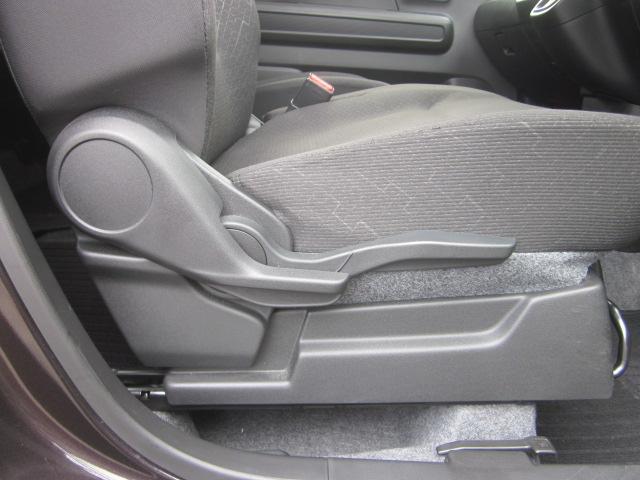 ★運転席にはシートリフターが装備されています★