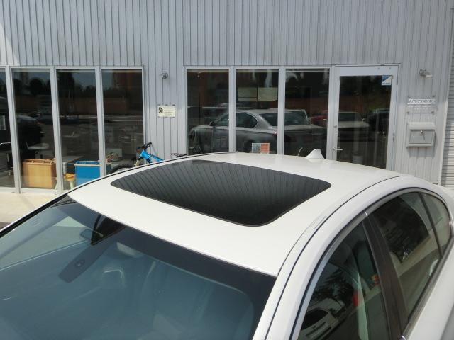 BMW BMW 740i サンルーフ 本革 純正ナビ