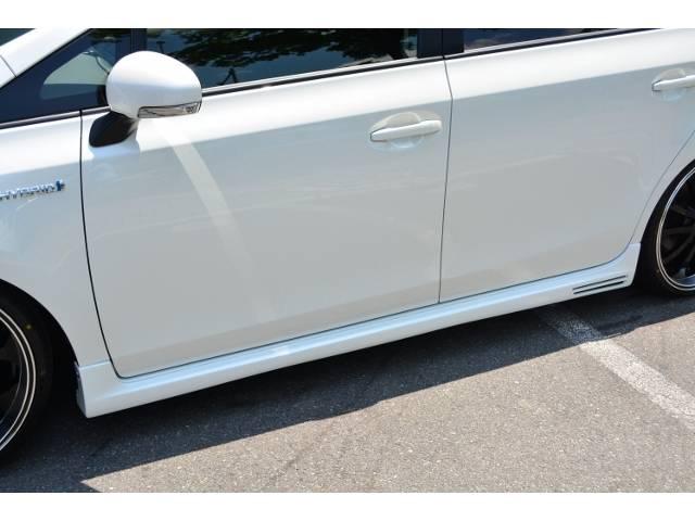 新車をベースにオール自社製作コンプリートカーを販売しています。セキュリティー、コーティング、フィルム貼りなどのカスタムもバッチリOK!!