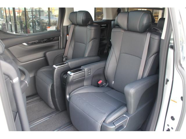 エムズスピードでは、各メーカーの新車をベースに当社製のゼウスエアロパーツと17〜22インチアルミホイールを装着。ダウンサス・車高調・エアサスにてローダウンしたコンプリートカーとして販売致しております。