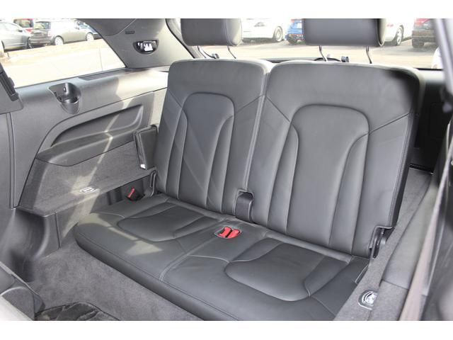 「アウディ」「Q7」「SUV・クロカン」「香川県」の中古車24
