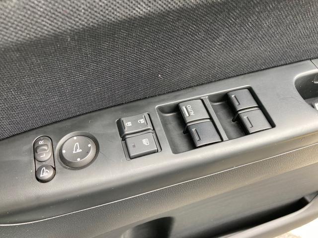 G・Lパッケージ メモリーナビ フルセグTV Bluetooth接続 DVD再生 ETC リア左側パワースライドドア 両側イージークローザー スマートキー HIDヘッドライト LEDルームランプ(34枚目)