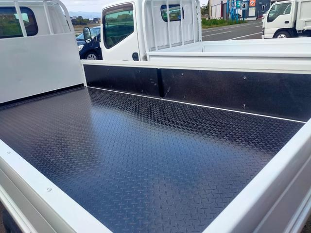 荷台鉄板張り マニュアルモード付オートマ 積載量 2トン(18枚目)