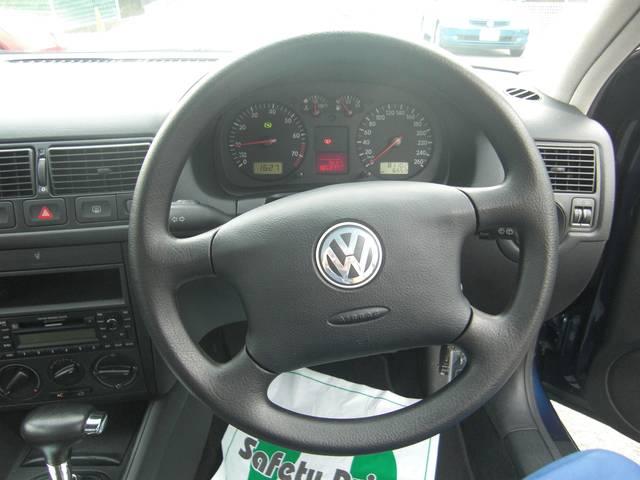 フォルクスワーゲン VW ゴルフ L 純正MDステレオ 純正15inアルミ