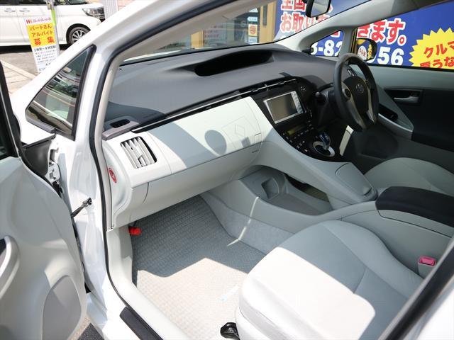 「トヨタ」「プリウス」「セダン」「徳島県」の中古車56