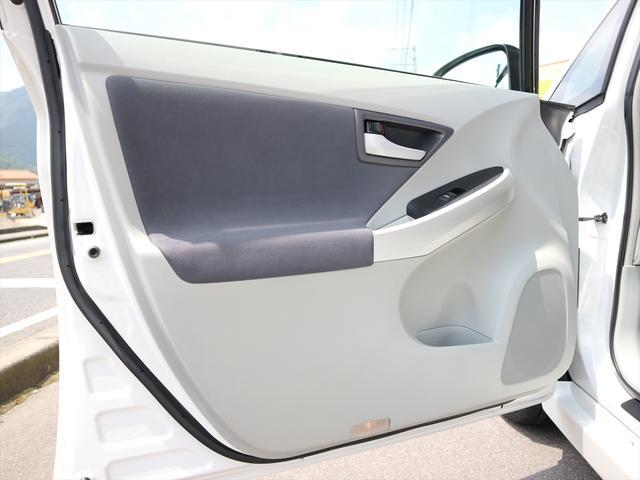 「トヨタ」「プリウス」「セダン」「徳島県」の中古車63