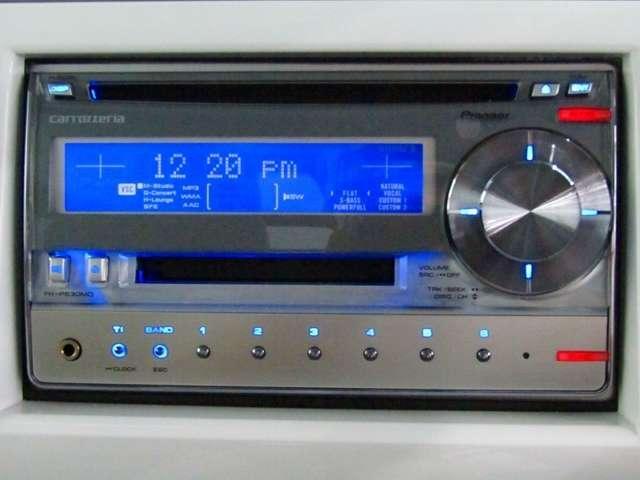 CDプレーヤーを装備。臨場感のあるサウンドが車内に響きます。テンションも上がりますね♪
