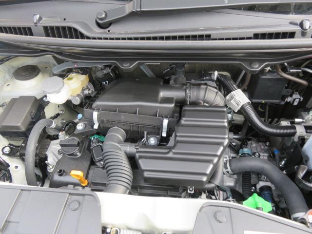 ISGのスターターモーター機能により、ベルトを介してエンジンを再始動。ギアの噛み込み音がなく、静かでスムーズなエンジン再始動を実現しています。「ハイブリッドシステム」、CVT