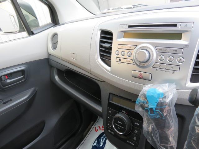 FX CDプレーヤー装着車 アイドリングストップ イモビライザー 電動格納式ドアミラー(13枚目)