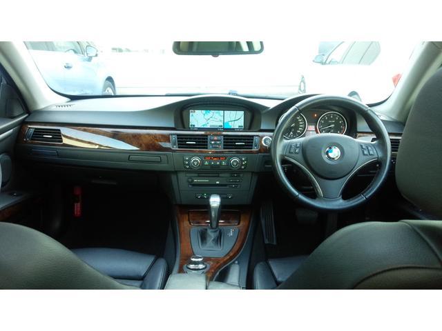 BMW BMW 335iクーペ本革シートガラスルーフキセノンiDrive