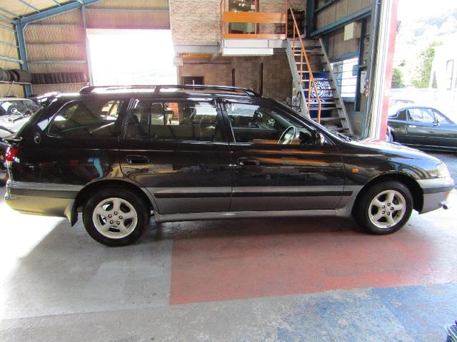 旧車の整備、修理は、当店の知識、豊富なメカニックによる安心の納車準備、修理。当店の自信を持っているところです。