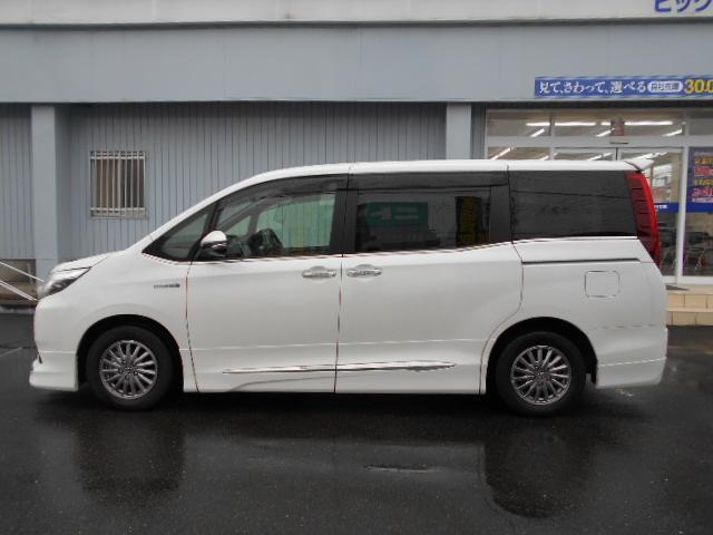 「トヨタ」「エスクァイア」「ミニバン・ワンボックス」「徳島県」の中古車2