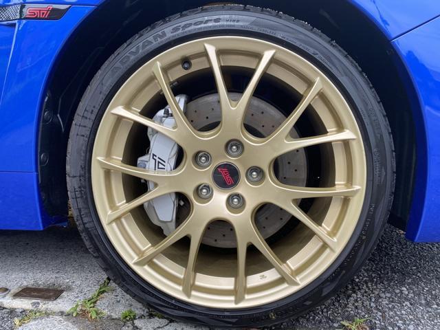 BBS製鍛造アルミホイール(ゴールド塗装・タイヤYOKOHAMAアドバンスポーツV105)