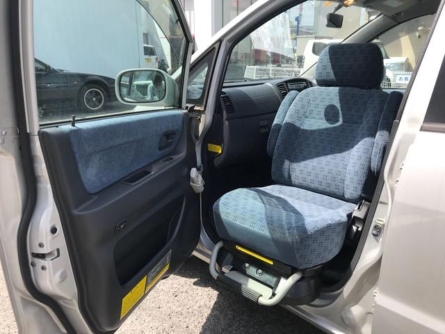 助手席回転シート 福祉車両(2枚目)