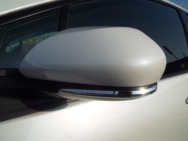 トヨタ プリウス S ワンオーナー 禁煙車 新品17インチアルミホイル