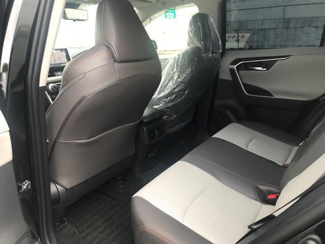 アドベンチャー 4WD/白内装/アルパイン9インチナビ/パノラマルーフ/Dミラー/スペアタイヤ/クリアランスソナー/シートヒーター・ベンチレーション/おくだけ充電/パワーバックドア(19枚目)