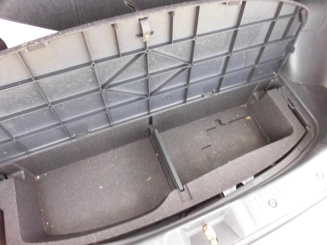 トヨタ イスト HDDナビ キーレス オートエアコン