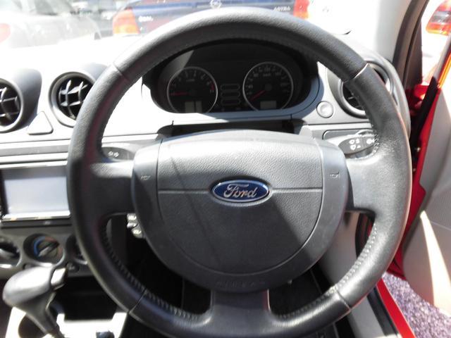 ヨーロッパフォード ヨーロッパフォード フィエスタ 1600GHIA HDDナビ 純正アルミ 右ハンドル