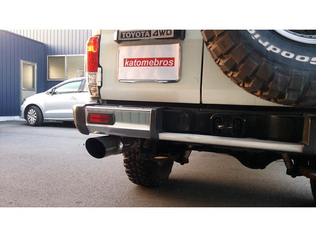 トヨタ ランドクルーザー70 3インチリフトアップ デフロック サクソンマフラー