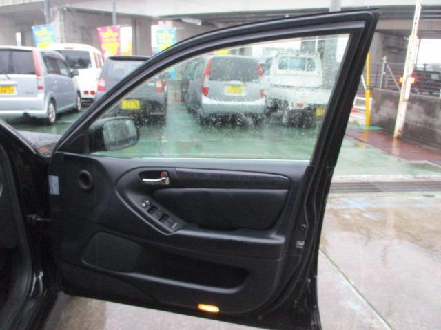 S300ベルテックスエディション 黒皮シート(12枚目)