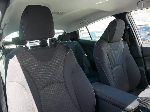 A 純正ナビ ETC バックモニター トヨタセーフティセンス プッシュスタート ブラインドスポットモニター 駐車アシスト機能 シートヒーター付き(35枚目)