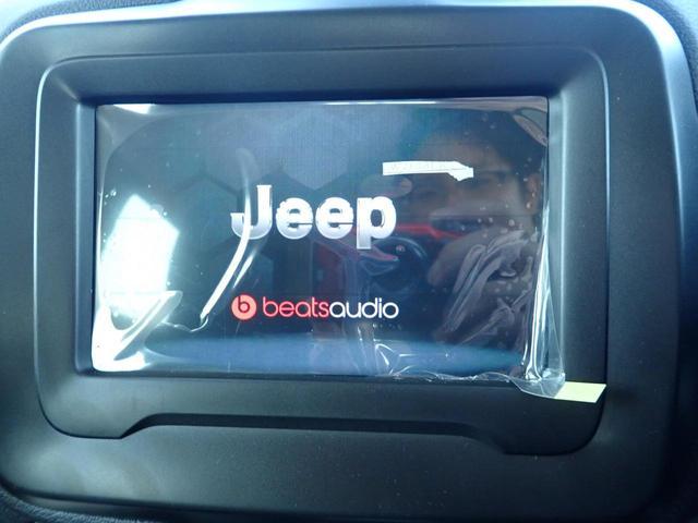 【純正ナビ】フルセグTVの視聴も可能です☆高性能&多機能ナビでドライブも快適ですよ☆beatsオーディオシステム!
