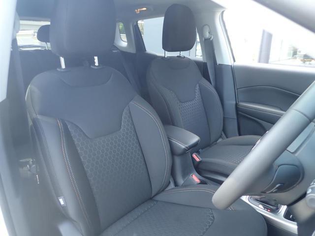 適度なホールド感のあるシートでドライブをサポート!長時間の運転でも疲れにくいです!
