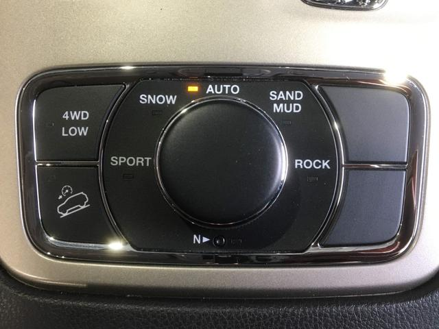 ラレード 4WD SDナビ ブラックAW Bカメラ HID(6枚目)