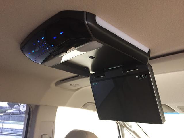 天井には、【フリップダウンモニター】も装備されております☆お子様など、遠方のドライブでも退屈せず楽しくお過ごしいただけます。