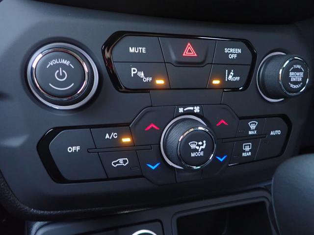 リミテッド LEDライト CarPlay対応 レザーシート(6枚目)