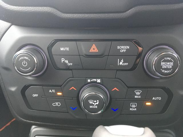 リミテッド 登録済未使用車 LEDライト 純正ナビ ACC付(12枚目)