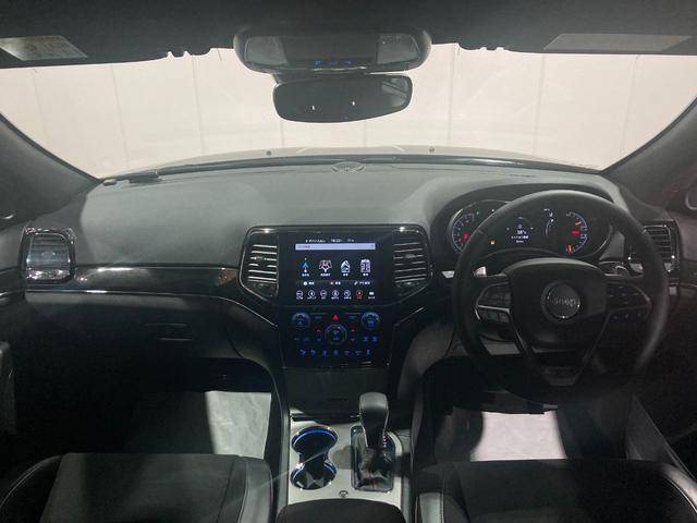 トレイルホーク 4WD・限定車・エアサス・純正ナビ・ハーフレザーシート・純正18AW・LEDデイライト・STOP機能付・アルパイン製スピーカー・AppleCarPlay・AndroidAuto・前面衝突警報(2枚目)
