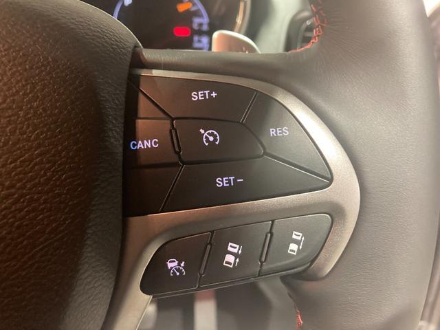 トレイルホーク 4WD・限定車・エアサス・純正ナビ・ハーフレザーシート・純正18AW・LEDデイライト・STOP機能付・アルパイン製スピーカー・AppleCarPlay・AndroidAuto・前面衝突警報(7枚目)