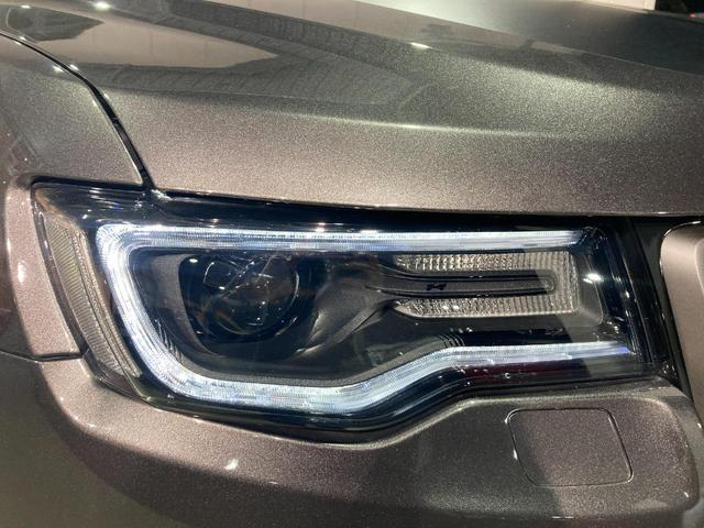 トレイルホーク 4WD・限定車・エアサス・純正ナビ・ハーフレザーシート・純正18AW・LEDデイライト・STOP機能付・アルパイン製スピーカー・AppleCarPlay・AndroidAuto・前面衝突警報(37枚目)