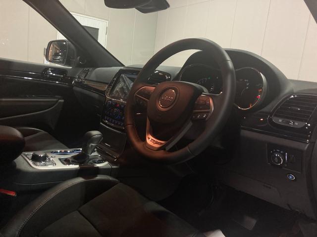 トレイルホーク 4WD・限定車・エアサス・純正ナビ・ハーフレザーシート・純正18AW・LEDデイライト・STOP機能付・アルパイン製スピーカー・AppleCarPlay・AndroidAuto・前面衝突警報(73枚目)