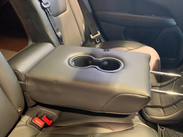 リミテッド 4WD サンルーフ 純正ナビ 本革シート シートヒーター パワーシート クルーズコントロール バックカメラ 全面衝突警報 コーナーセンサー アイドリングストップ ETC 電子制御式パーキングブレーキ(14枚目)