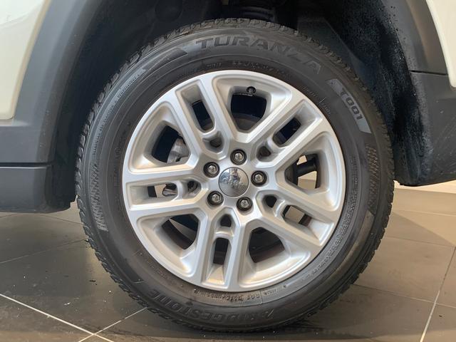 自動車保険を見直してみませんか?保険会社を変更するだけでも想像以上にお安くできるケースがございます。詳しくはお問い合わせ下さい。